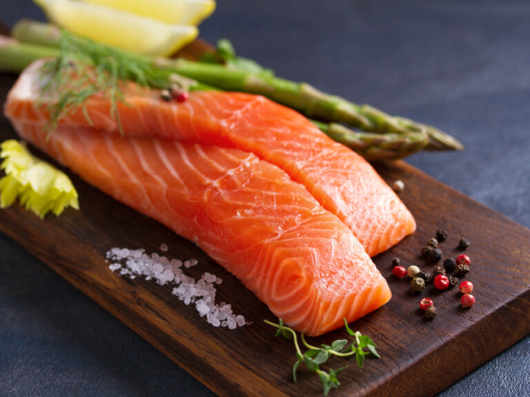 Fresh,Raw,Salmon,Fish,Fillet,,Asparagus,,Lemon,,Herbs,And,Spices